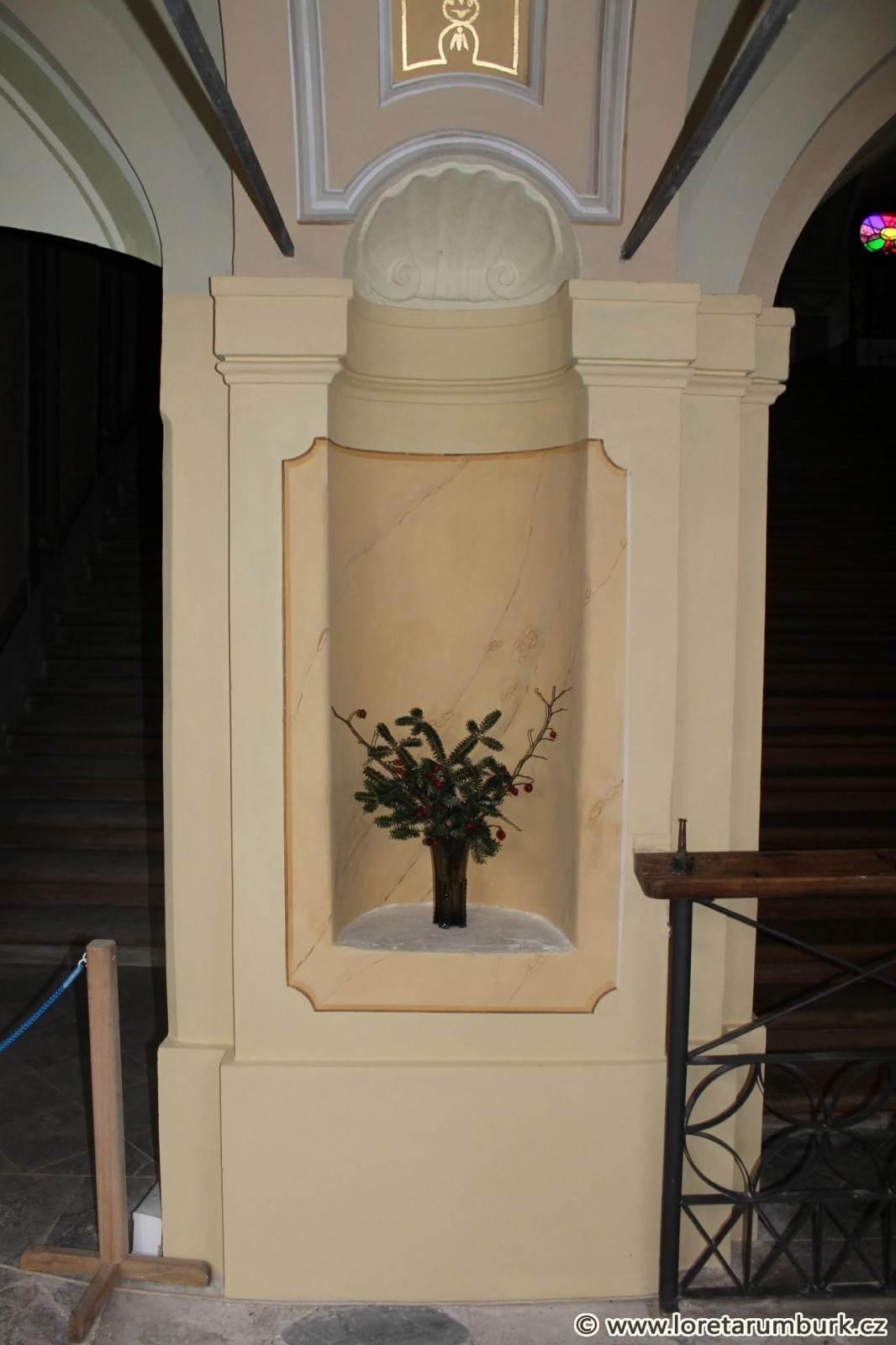 1, Loreta Rumburk, dekoratiovní výmalba, po restaurování, foto Klára Mágrová, 2 12 2013