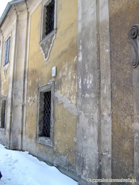 2, Loreta Rumburk, Vstupní budova, fasáda, východzí stav, foto Pavel Tichý, 3 5 2004