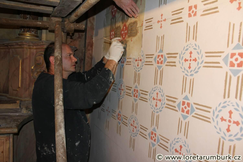 4, Loreta Rumburk, kaple Nejsv Trojice, 25 9 2014, průběh restaurování, dekorativní výmalba, foto Klára Mágrová