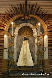 Černá Matka Boží Loretánská z Rumburku. foto Jirří Stejskal