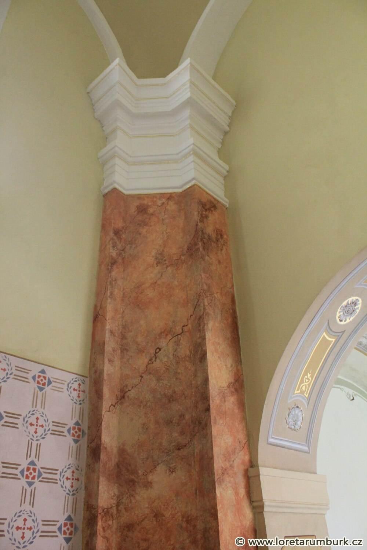 8, Loreta Rumburk, kaple Nejsv Trojice, pilíř po restaurování, 17 10 2014, foto Klára Mágrová