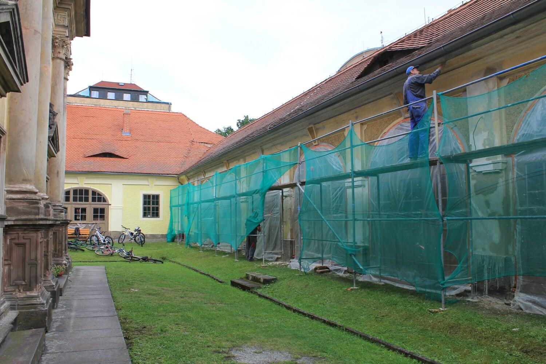 C4, Loreta Rumburk, fasáda během restaurování, 15 9 2015