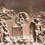 Loreta Rumburk. Reliéf s loretánskou legendou z vnější výdoby loretánské kaple. Foto Jiří Stejskal