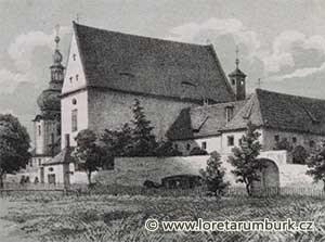 Celkový pohled na kapucínský klášter a kostel sv. Vavřince v Rumburku mezi lety 1785 - 1800. Neznámý autor, nedatováno