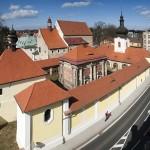 1_Loreta Rumburk_celkový pohled na kostel sv Vavřince_loretánskou kapli a ambit_foto Jiří Stejskal