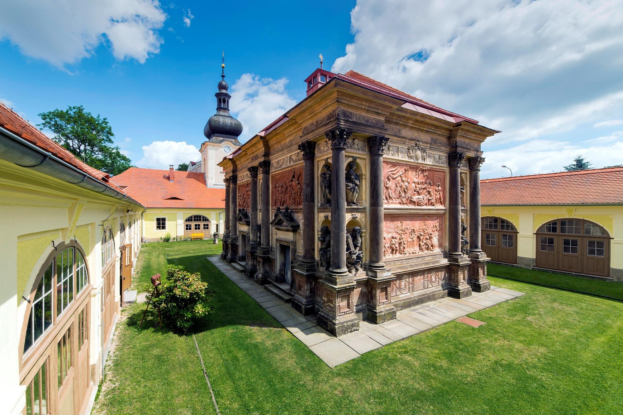 Loretánská-kaple_Loretokapelle-in-Rumburk3